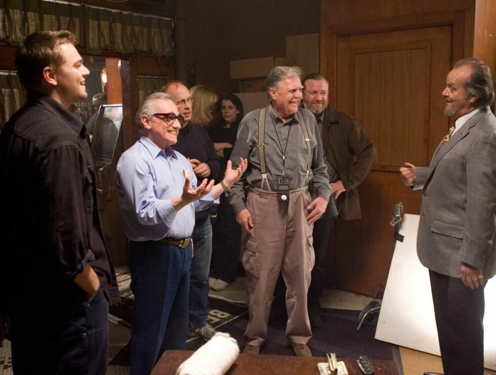 """NOMINERT: Martin Scorseses """"The Departed"""" er nominert fire ganger. Her er regissøren sammen med Jack Nicholson og Leonardo DiCaprio under innspillingen av filmen. Foto: Filmweb"""