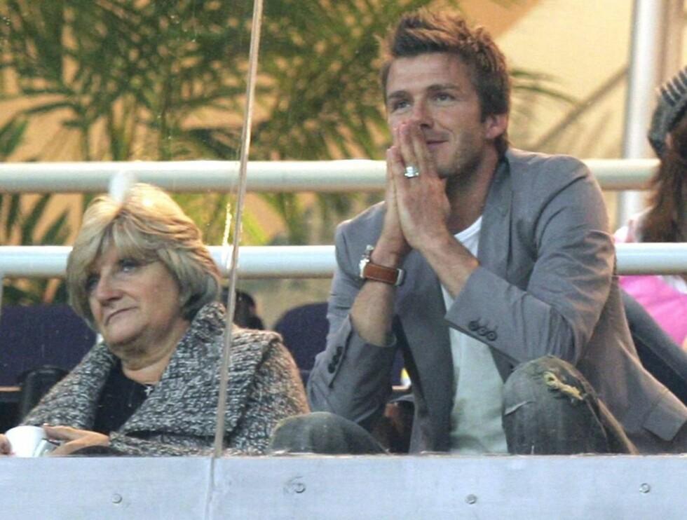 BENKESLITER: David Beckham trenger ikke lenger å dusje etter en landskamp. Foto: All Over Press