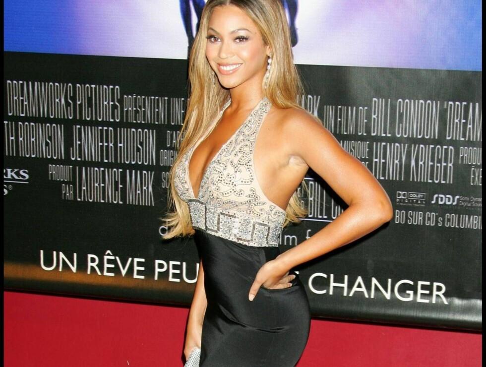 LEKKER: Kanskje ikke så rart at Beyonce stjal oppmerksomheten på den røde løperen Foto: Stella Pictures