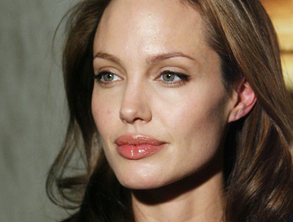 TRAVEL: Angelina Jolies nøling har kostet henne dyrt. Foto: AP
