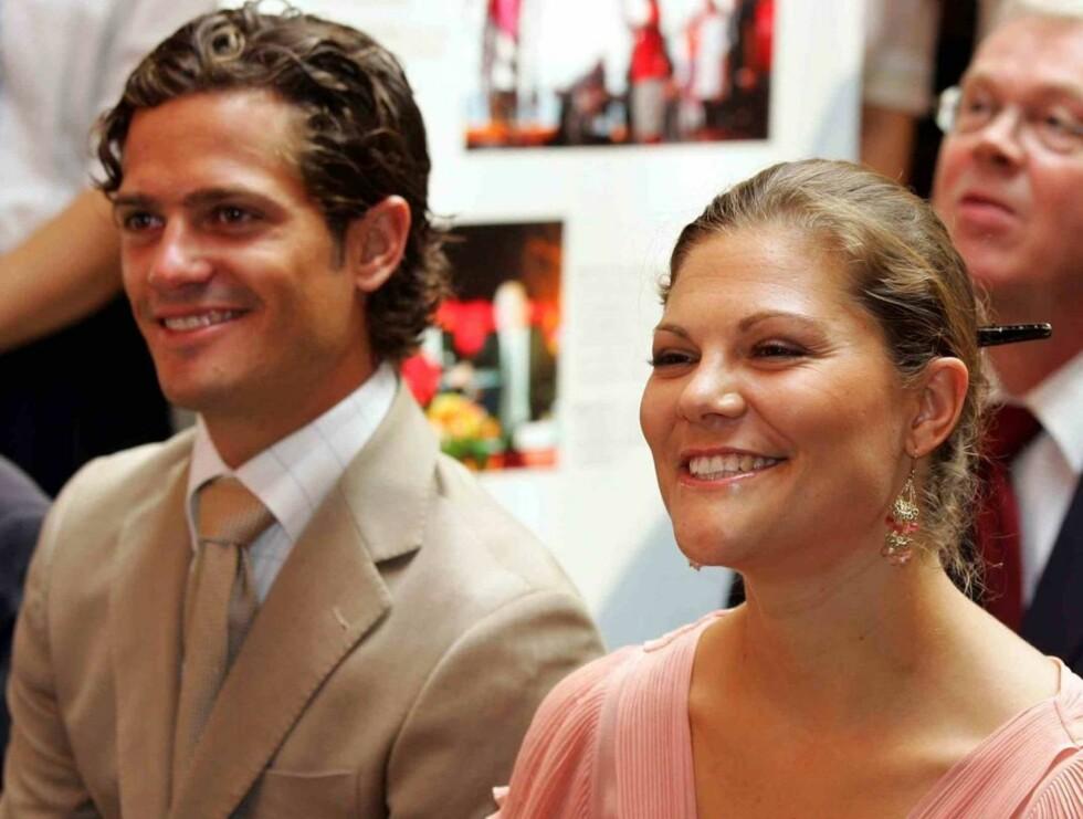 KONGEFLAUSE: Carl Philip håpet nok på hjelp fra storesøster kronprinsesse Victoria da han satt innesperret på flyplassen i Miami. Foto: Stella Pictures
