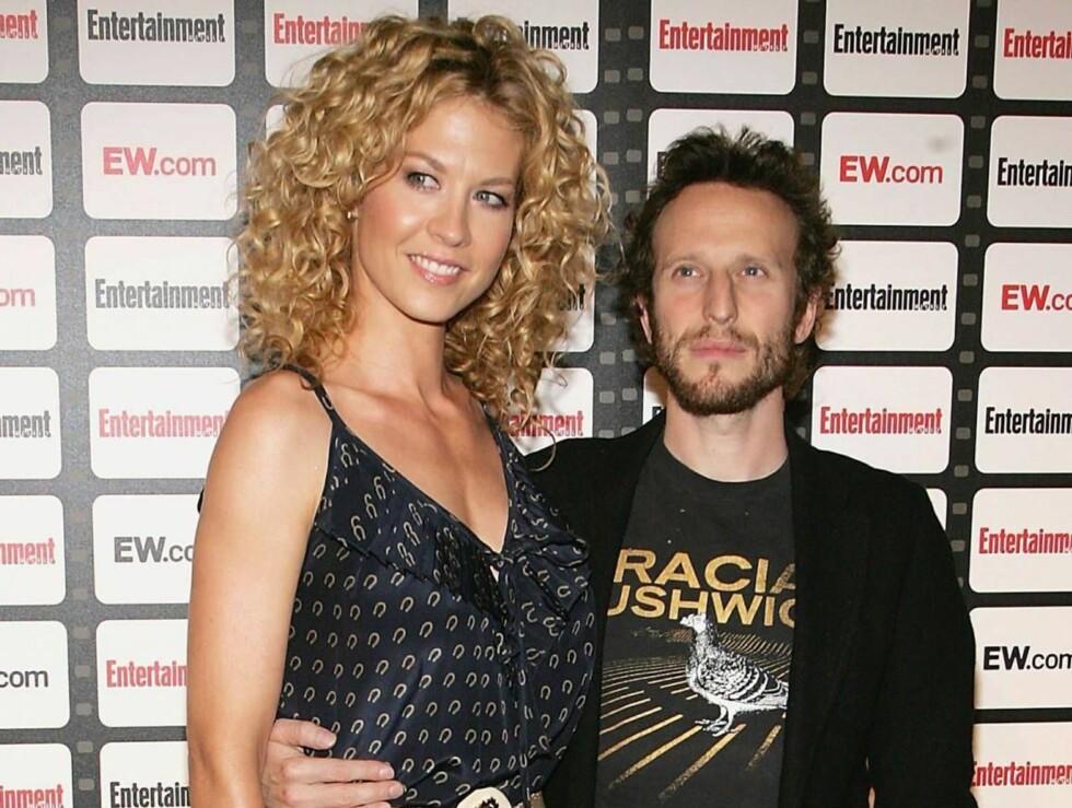 BLIR FORELDRE: Jenna Elfman og Bodhi Elfman Foto: All Over Press