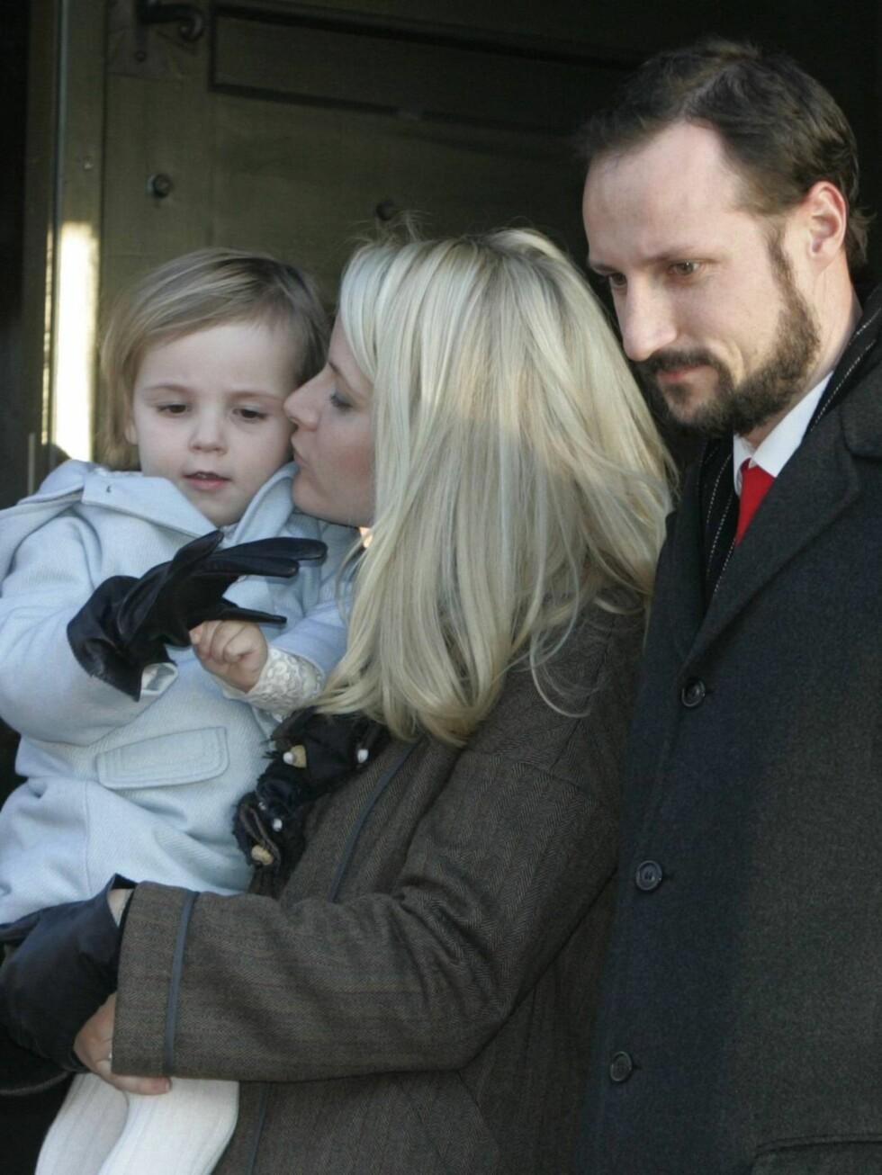 SAMMEN: Lilla Ingrid Alexandra har fløyet med mamma og pappa siden hun var noen måneder gammel. Foto: SCANPIX