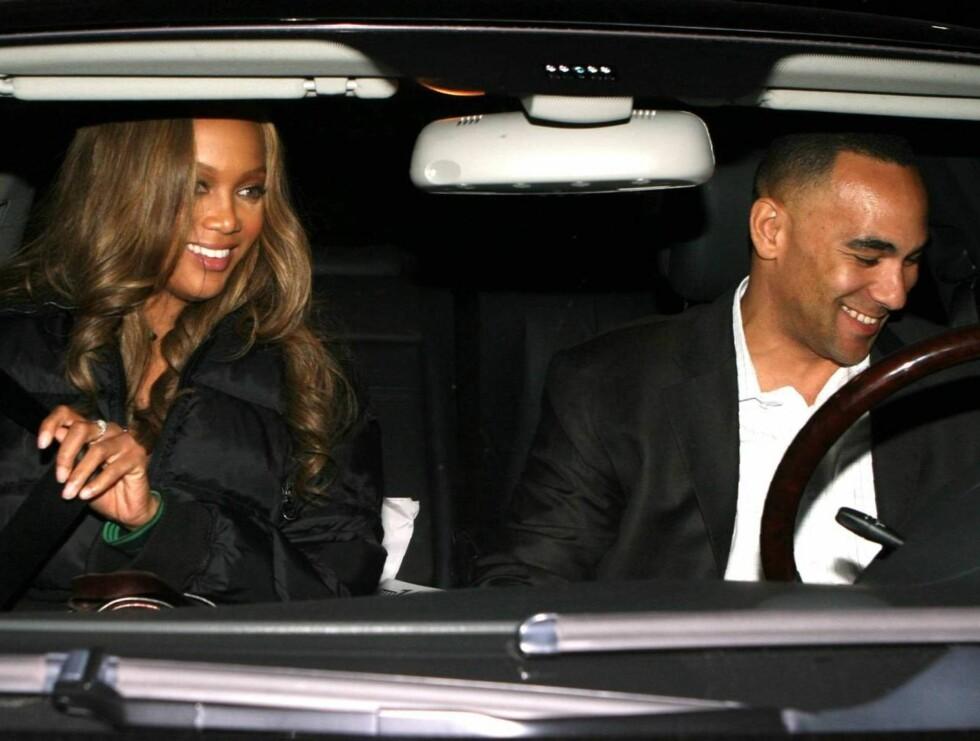 VALENTINDATE: Hvem er denne kjekkasen? En ny flamme for supermodell Tyra Banks? Foto: All Over Press