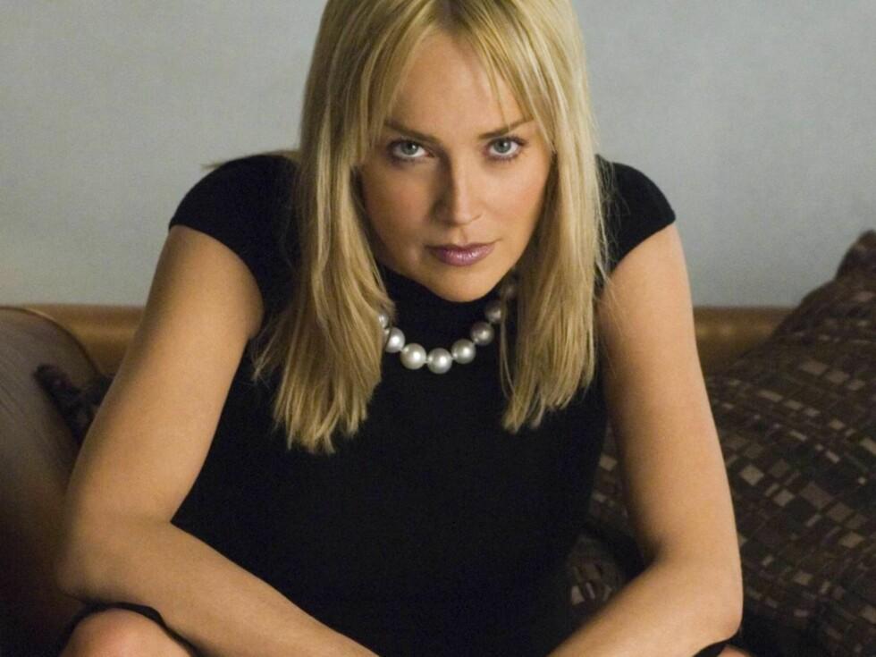 """SLO TIL: Sharon Stone gir medspilleren Ben Foster en real knyttneve i den nye filmen """"Alpha Dog"""". Foto: Filmweb"""