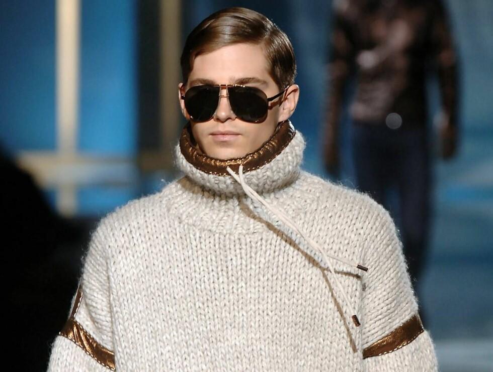VARMT OG GODT: Denne genseren vil holde gutta varme. Foto: Stella Pictures