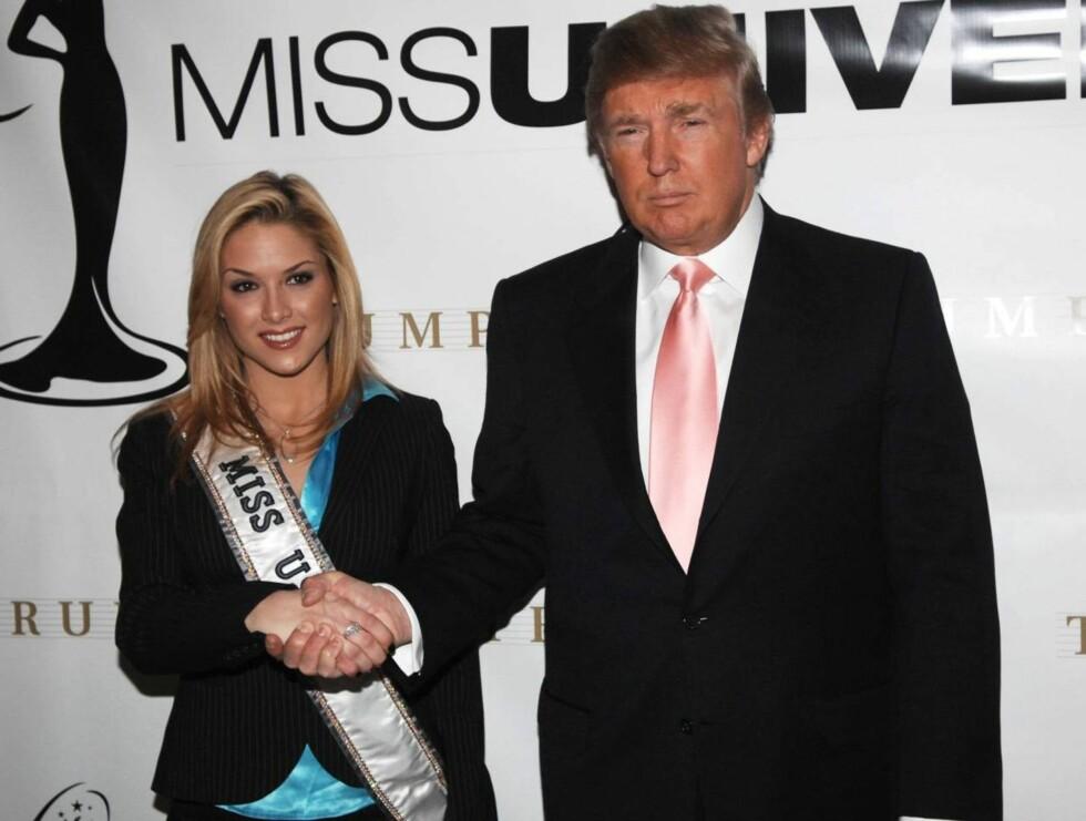 VENNER: Donald Trump tok Tara inn i varmen igjen etter alle festskandalene. Nå vurderer han å sette henne på forsiden av Playboy! Foto: All Over Press