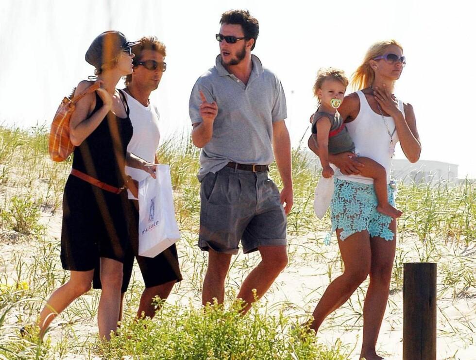 GJENG: Eva, Gregorio, Alejandro og Valeria på vei til strandfesten sin. Foto: Stella Pictures
