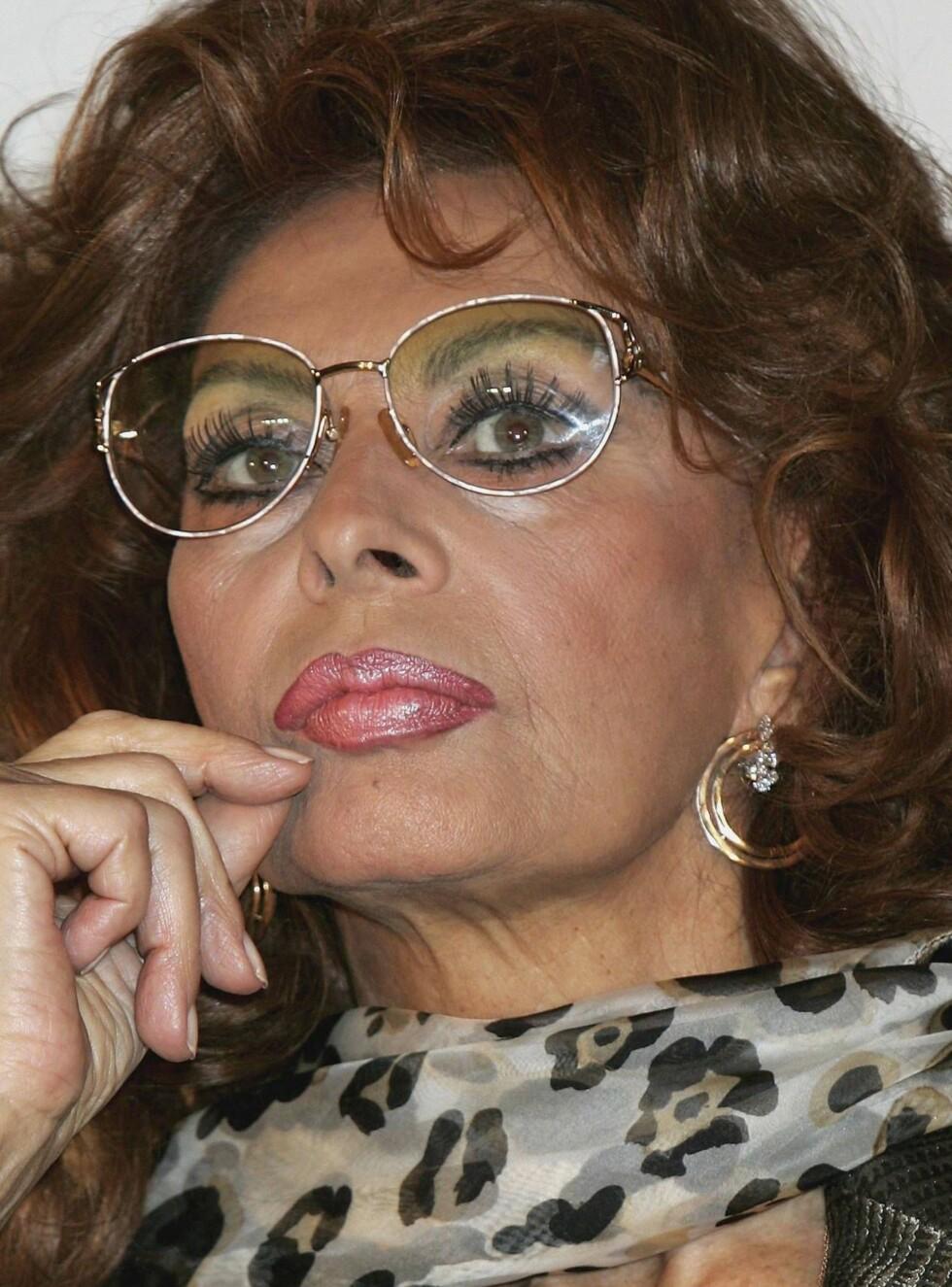 SØRGER: Sophia Loren har mistet sin kjære Carlo Ponti. Han ble 94 år gammel. Foto: All Over Press