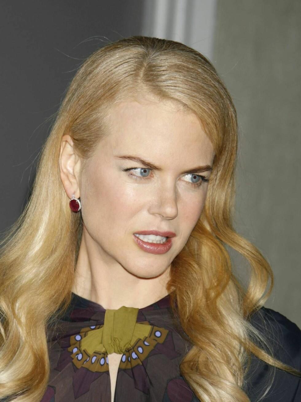 SYKEHUS: Torsdag morgen ble Nicole Kidman fraktet til sykehus etter en bilulukke. Hun skal ha kommet fra det hele uten alvorlige skader. Foto: AP/Scanpix