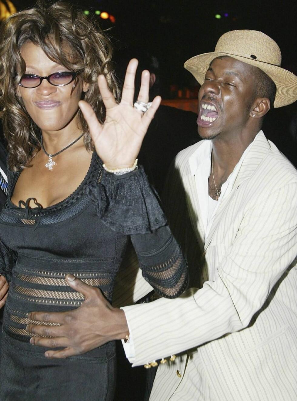 FEST: Whitney Houston var lenge gift med sagnomsuste Bobby Brown. Det førte til at hele karrieren hennes ble lagt i grus. Foto: All Over Press