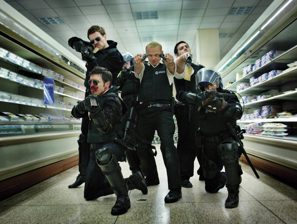 Featuring left to right, DS Andy Wainwright (Paddy Considine), DC Andy Cartright (Rafe Spall, PC Bob Walker (Karl Johnson), DC Nick Angel (Simon Pegg), PC Danny Butterman (Nick Frost) and PC Doris Thatcher (Olivia Coleman). Foto: Filmweb