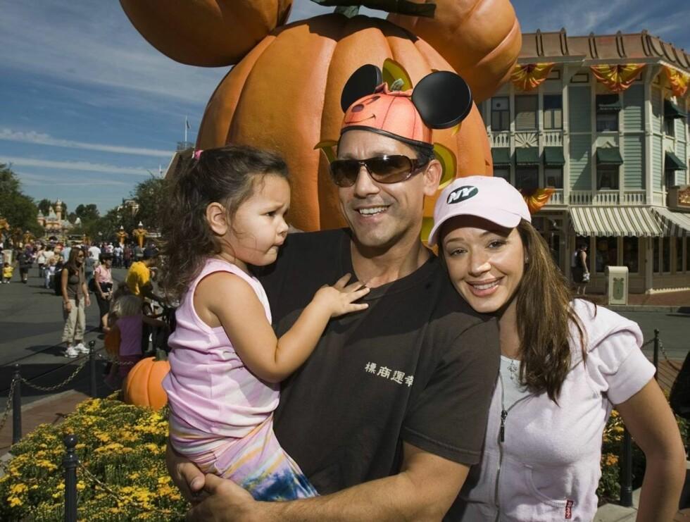 FAMILIE: Leah sammen med ektemannen Angelo Pagan og datteren deres Sofia Bella. Foto: AP/Scanpix
