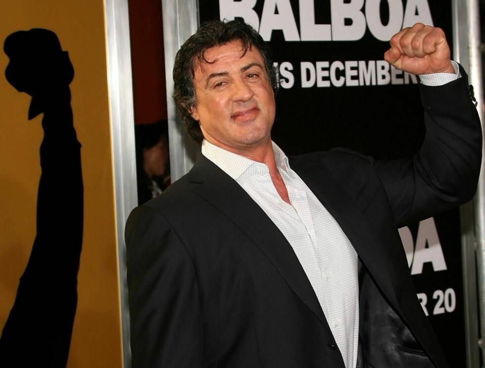 GRR: Sylvester Stallone har tydeligvis ikke lyst til at døtrene skal få seg kjærester med det første. Foto: All Over Press