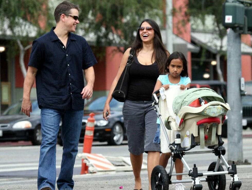 BOURNE-BABY: Matt Damon og kona Luciana Barroso fikk datteren Isabella. Foto: All Over Press