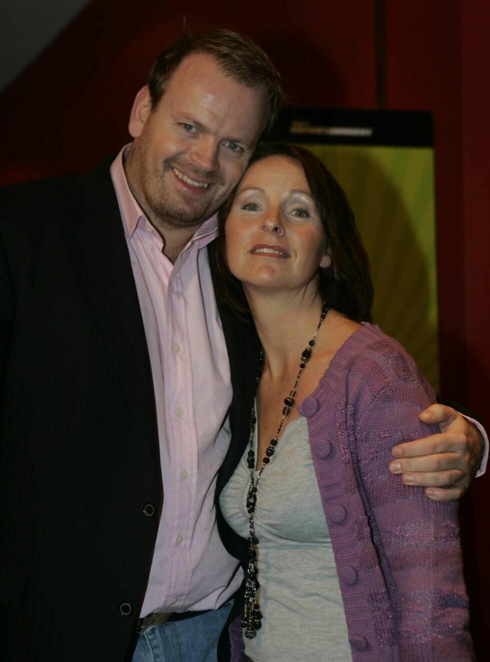 STØTTE: Tommy har fått god støtte gjennom den tøffe tiden av kona Linda Karlsen. Foto: Stella Pictures