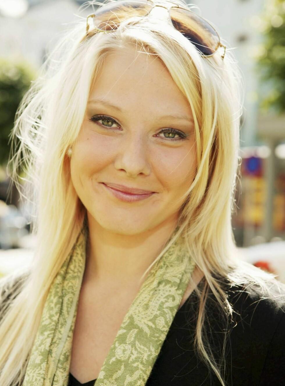 VAKKER BRUD: Ingen tvil om at denne jenta kommer til å bli en vakker brud... Foto: Werner Juvik, Se og Hør