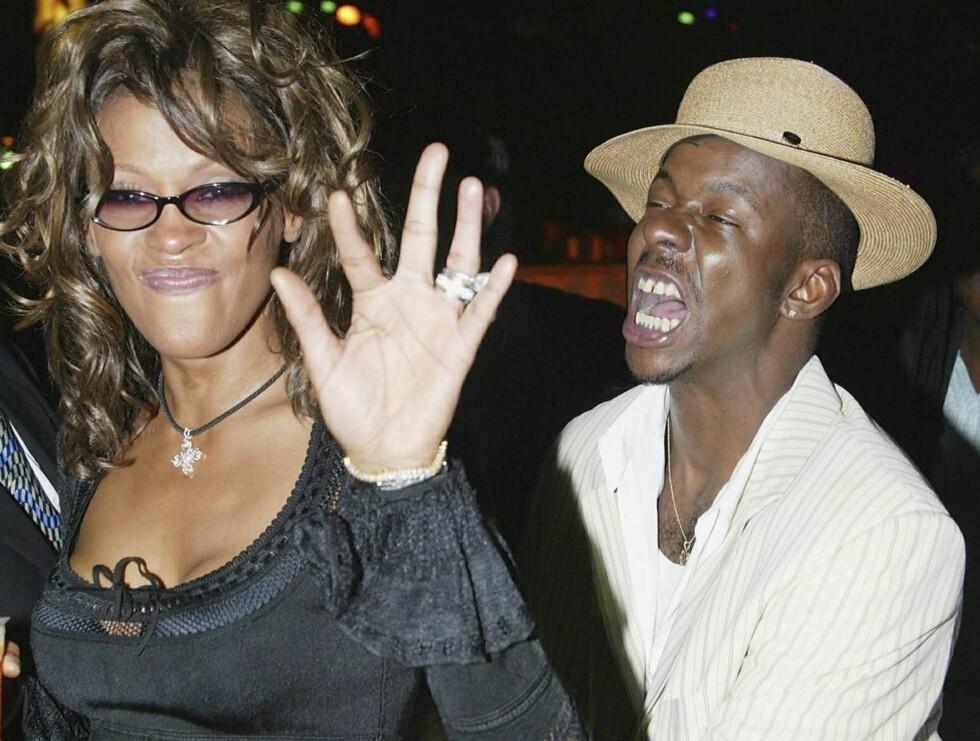 GJELDSKRISE: Den harde festinga med Bobby Brown har gitt Whitney store problemer. Nå har både ekteskapet og den tidligere sang-millionærens økonomi havarert. Foto: All Over Press