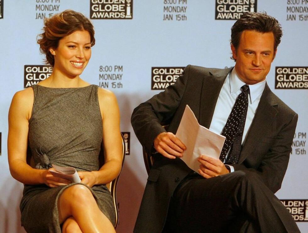 OFFISIELT: Skuespillerne Jessica Biel og Matthew Perry under Golden Globes kunngjøring av de nominerte. Foto: All Over Press