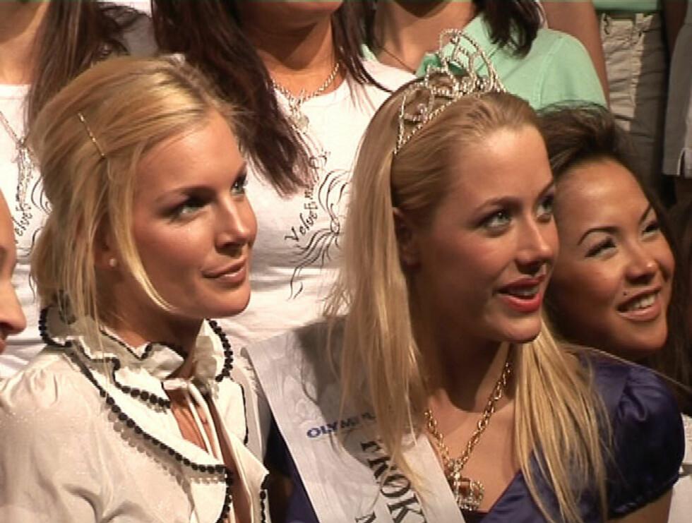 STRÅLTE: Kathrine og Martine er store forbilder for de 235 håpefulle kandidatene til årets Frøken Norge. Foto: Stine Holme