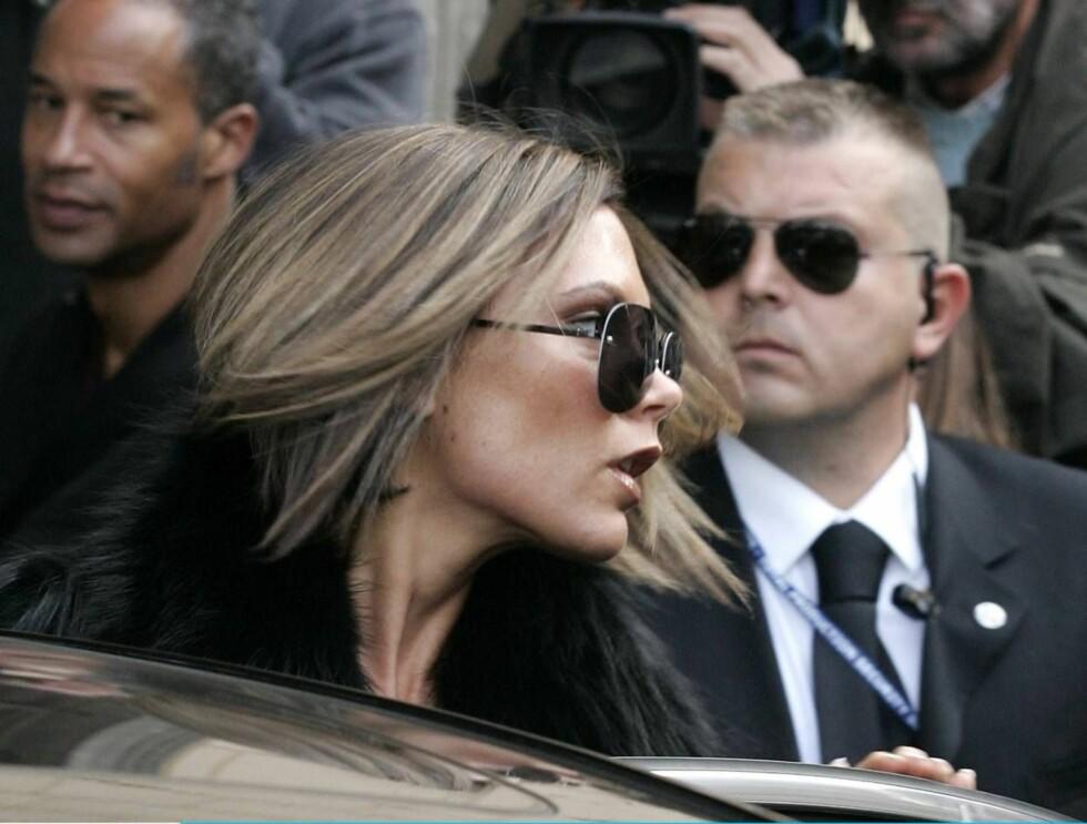 VIL HA MER: Victoria Beckham mener Rock & Republic skylder henne flere titalls millioner. Foto: All Over Press
