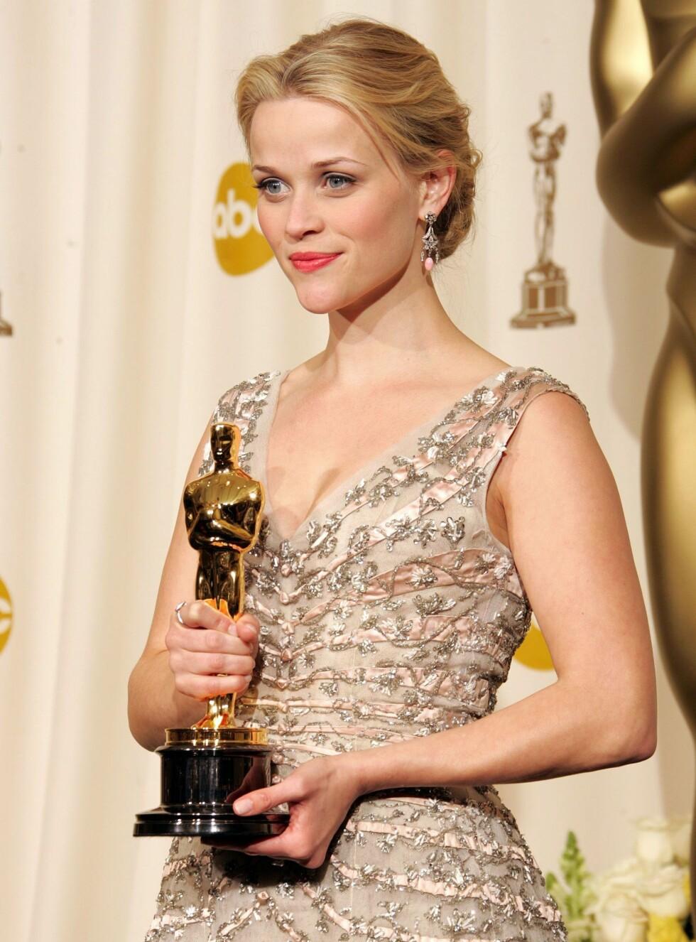 """GULLJENTA: I fjor vant skuespilleren Reese Witherspoon Oscar for beste kvinnelige hovedrolle i filmen """"Walk the Line"""". Neste år må hun og andre Oscar-stjernen gå tomhendte hjem - uten """"godteposene"""".  Foto: All Over Press"""