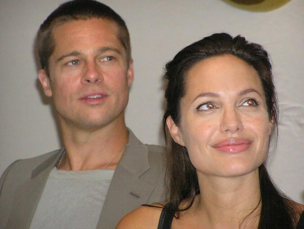 GIFTEKLARE: Brad Pitt og Angelina har klart å holde bryllupsplanene hemmelig lenge, men nå er de klare til å reise til Afrika. Foto: AP