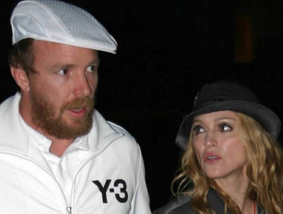 SLITER: Ekteskaopet mellom Guy og Madonna henger i en tynn tråd.. Foto: All Over Press