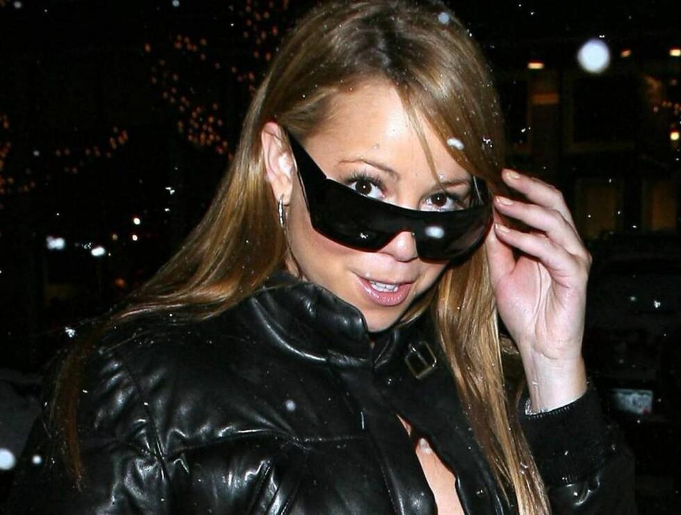 GOD JUL: Mariah har funnet feriehumøret. Foto: All Over Press