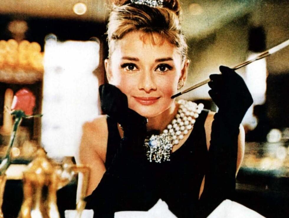 """POPULÆR: Audrey Hepburn i Givenchy-kjolen fra filmen """"Breakfast at Tiffany's"""". Foto: AP"""