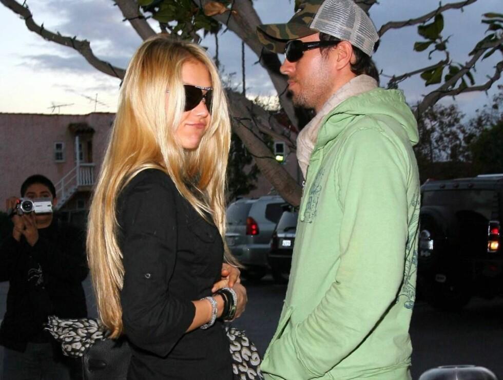 FORELSKET: Anna og Enrique hadde kun øyne for hverandre. Foto: All Over Press