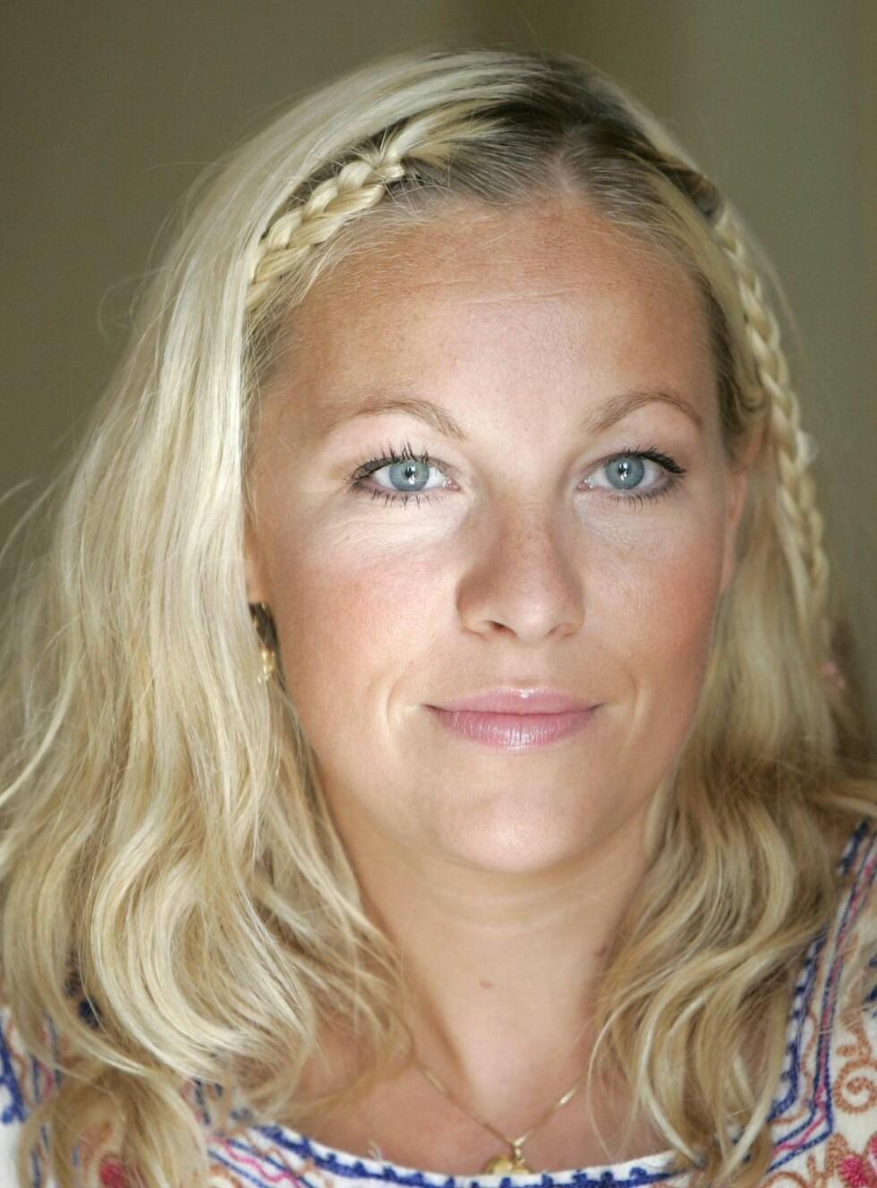 SINGEL: Janne Formoe har tatt med seg datteren Felicia og flyttet inn hos bestevenninnen Pia Tjelta. Foto: Scanpix