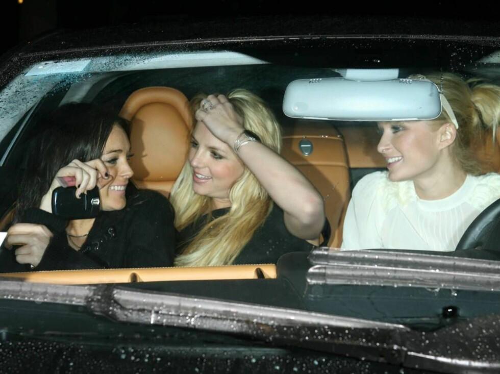 GIRLS JUST WANNA HAVE FUN: Lindsay, Britney og Paris hadde jentefest i forsetet. Foto: All Over Press