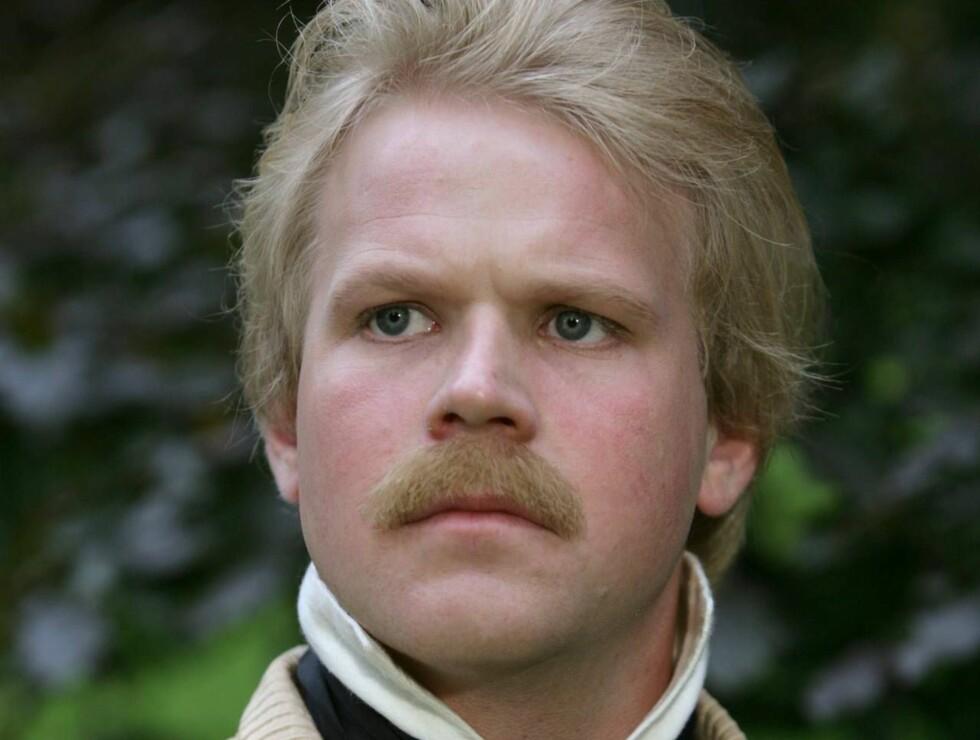 """IBSEN: Anders Baasmo Christiansen har hovedrollen i """"En udødelig mann"""". Foto: NRK"""