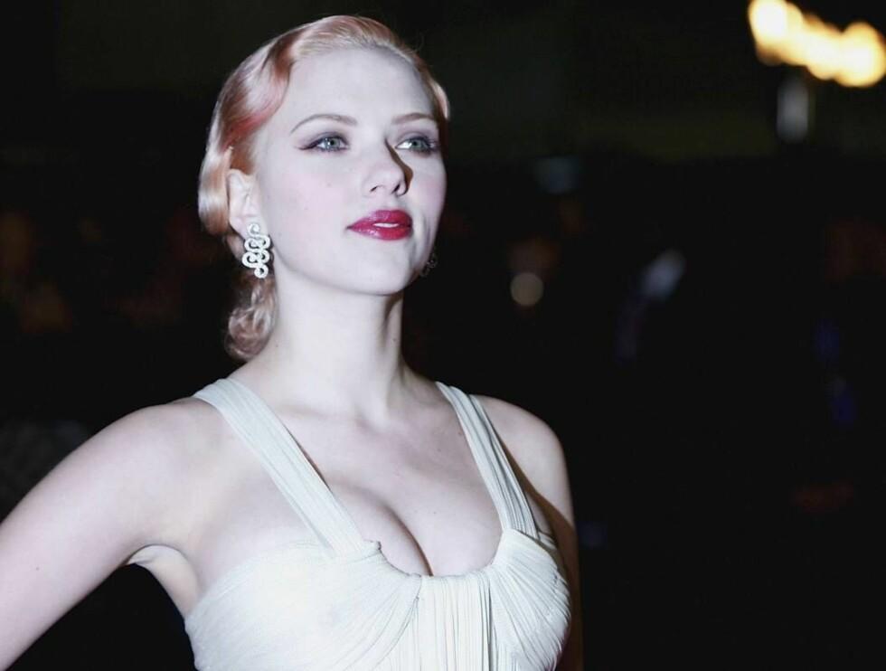 STINKER: Scarlett er ikke naboen det er hyggelig å låne sukker av... Foto: All Over Press