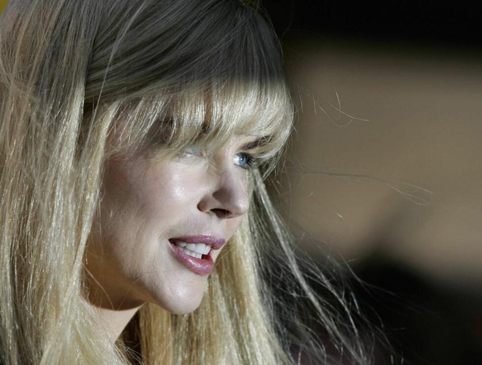 TRIST: Nicole Kidman var tydeligvis berørt under helgens stjernespekkede premiere. Foto: All Over Press
