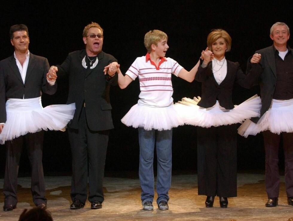 """STJERNER: Simon Cowell, Elton John, Liam Mower, Sharon Osbourne og """"X Factor""""-dommeren Louis Walsh. Foto: AP/Scanpix"""