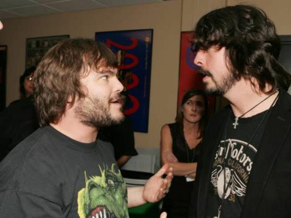 Komiske Jack Black og Foo Fighters-vokalisten Dave Grohl. Foto: AP/Scanpix