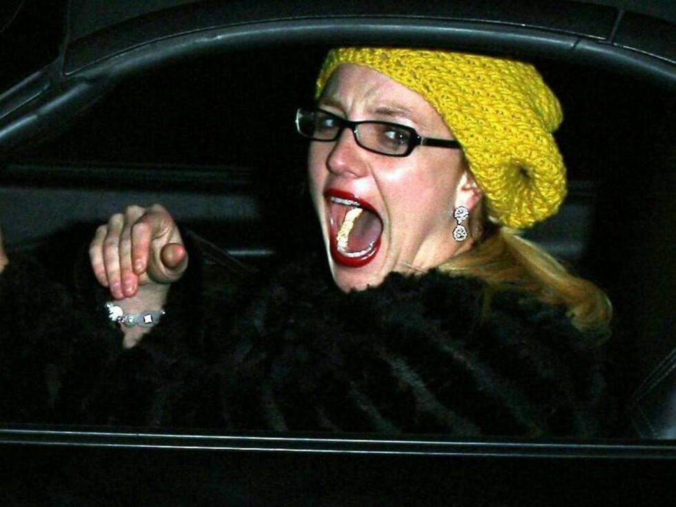 PARTY ON: Britney ga gass både på byen og i bilen... Foto: All Over Press