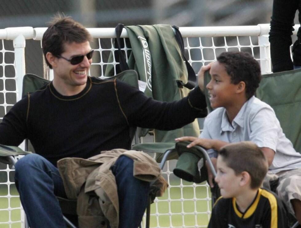 FOTBALLSTJERNE: Tom Cruises adoptivsønn Connor gleder seg nok til å få fotballtimer av David Beckham.. Foto: All Over Press
