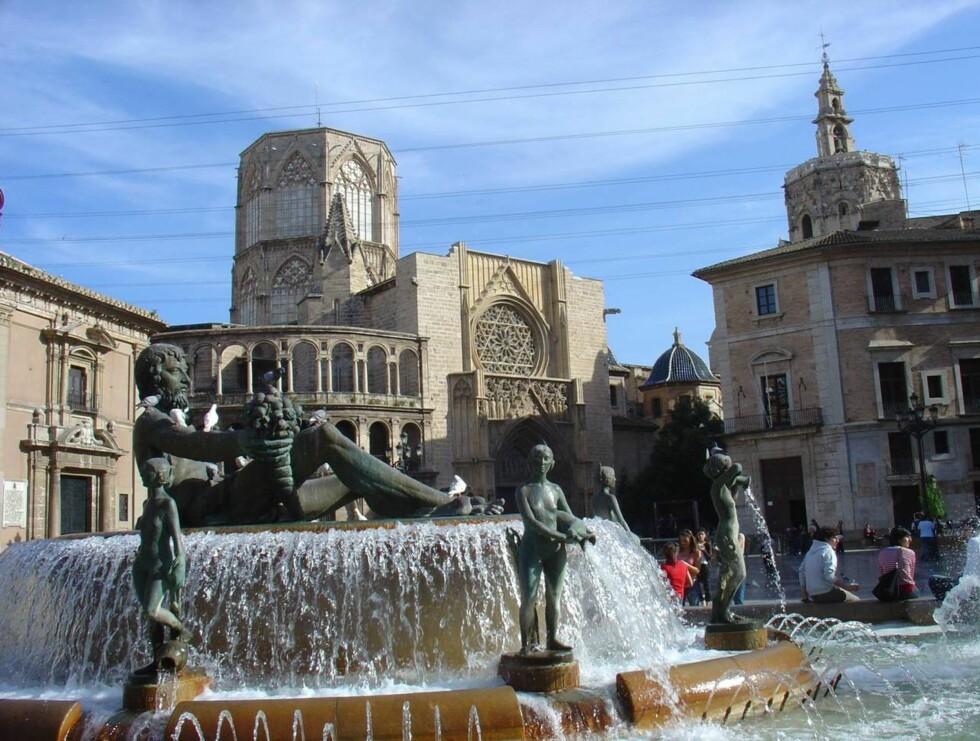HISTORISK GRUNN: Katedralen i Valencia blir lettere tilgjengelig fra april når Norwegian åpner sin nye direkterute. Foto: Se og Hør