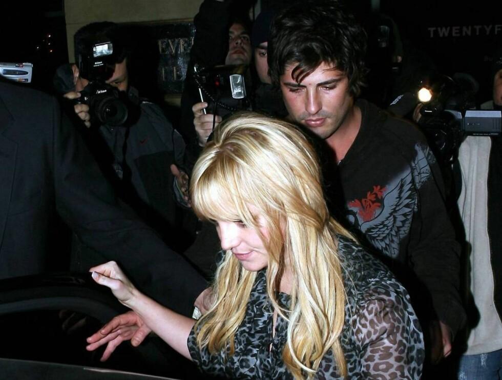 SAMMEN PÅ DO: Britney og Brandon ble observert da de forlot dansegulvet og gikk på do, sammen! Foto: All Over Press
