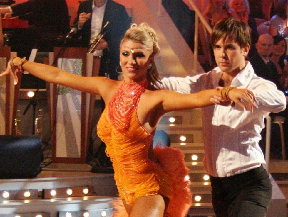 HETT PÅ GULVET: Kristian og Alexandra leverte varene under samba-dansen.