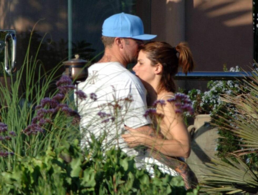 FORELSKET: Sandra og Jesse er fortsatt like forelsket. Nå kan de glede seg til å bli foreldre. Foto: All Over Press