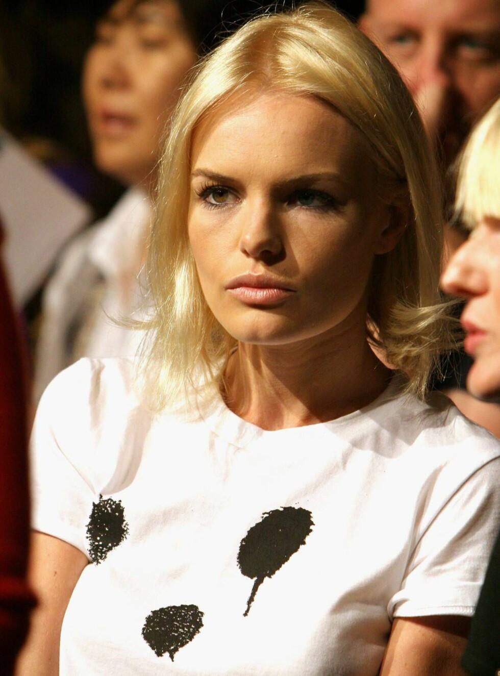 TRENDY: Vakre Kate Bosworth vet å kle seg. Her er hun i en enkel og sexy t-skjorte. Foto: All Over Press