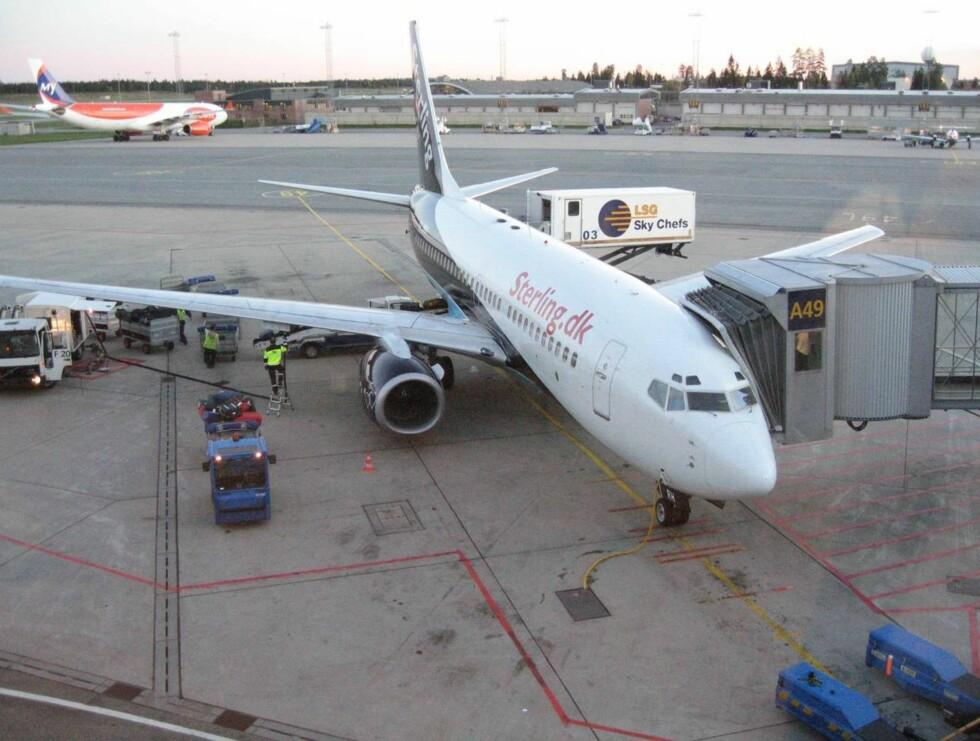 BOMBE? Et Sterlingfly måtte evakueres i Amsterdam. Det skulle til Oslo. Foto: SE OG HØR