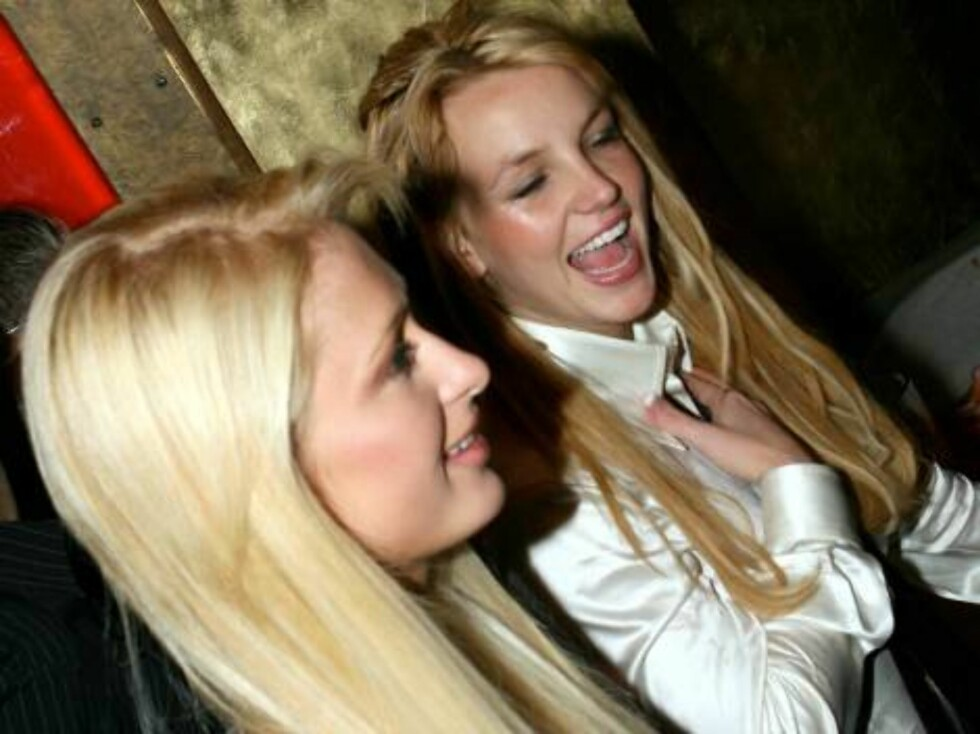 Paris and Britney Spears partying  girls on the move in Las Vegas Nov 20, 2006 X17agency exclusive Foto: All Over Press