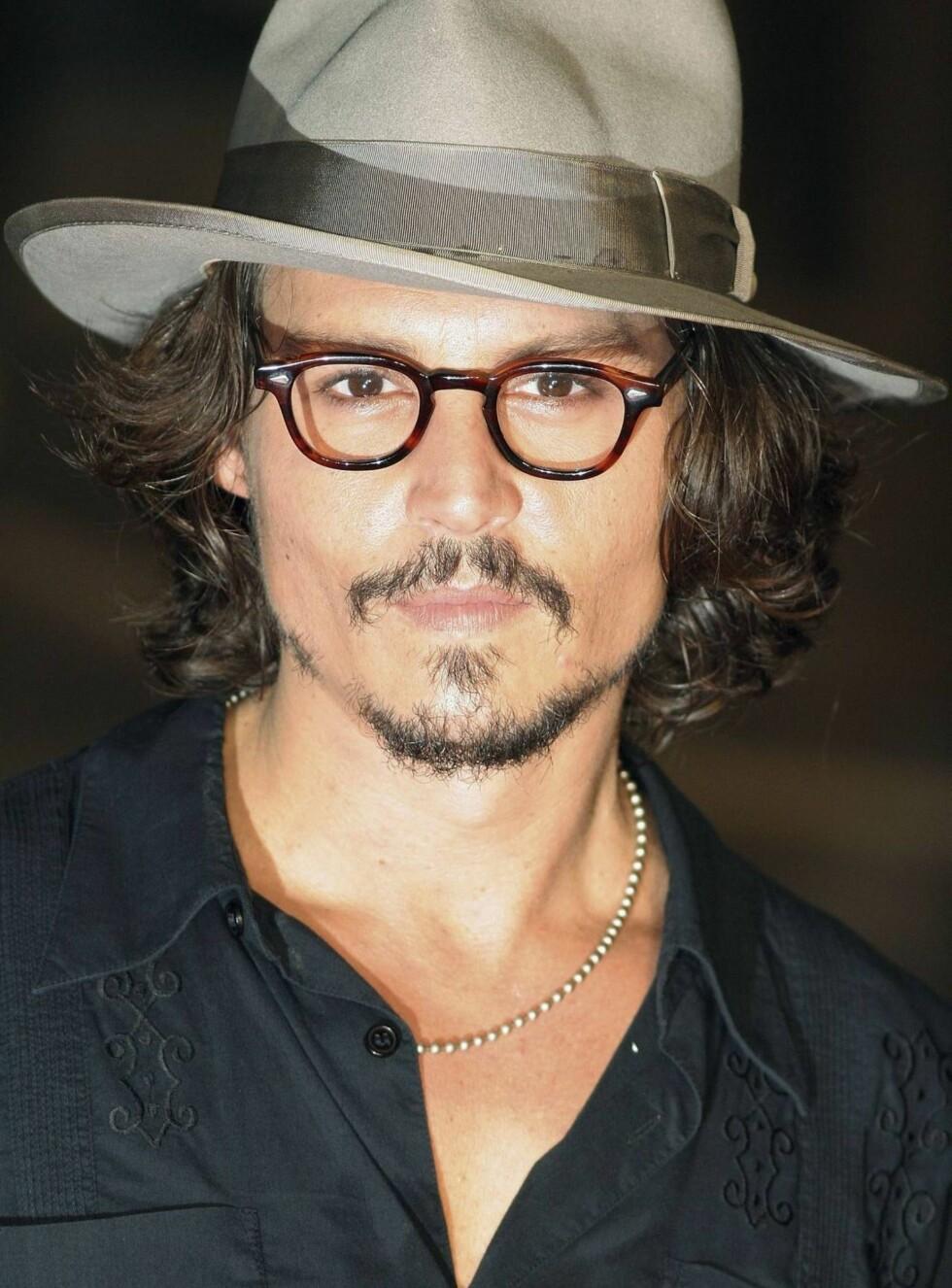 SEILER VIDERE: Johnny Depp har sagt ja til nok en film i rollen som kaptein Jack Sparrow. Foto: All Over Press