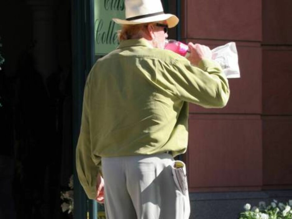 Nick Nolte wearing a hat in Beverly Hills Nov 19, 2006 X17agency EXCLUSIVE Foto: All Over Press