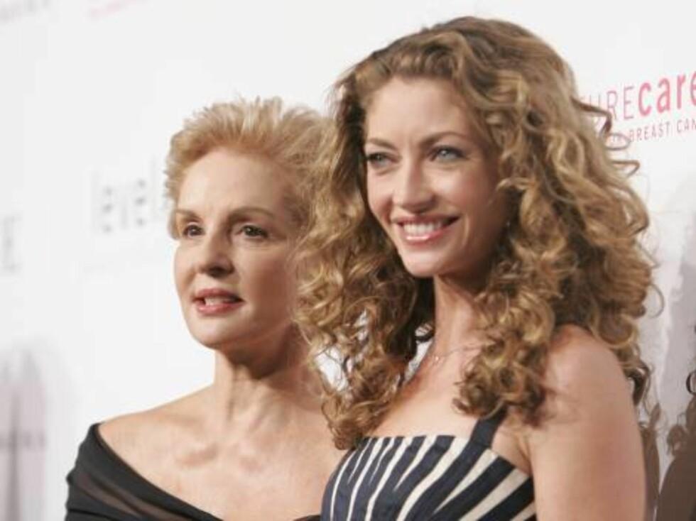 CAROLINA HERRERA: Designer Carolina og skuespillerinnen Gayheart. Foto: Stella Pictures